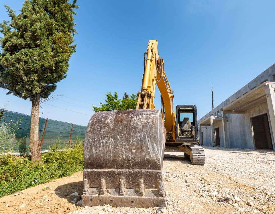 Když potřebujete upravit terén nebo provést profesionální demolici, stačí se ozvat stavební firmě FOLZA a máte vyhráno.